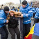 Doi protestatari ridicati de Jandarmerie!