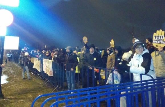 Au INCEPUT PROTESTELE – LiveVIDEO – INCIDENTE la Universitate!