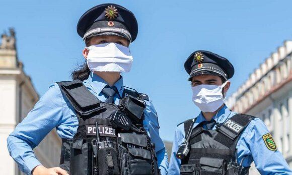 Amenzi usturatoare pentru cei prinsi fara masca in Stuttgart